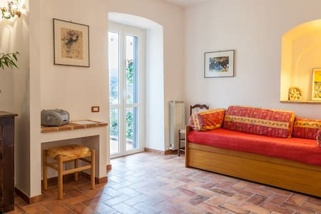 Casa Foresti: 14th century cute flat with garden