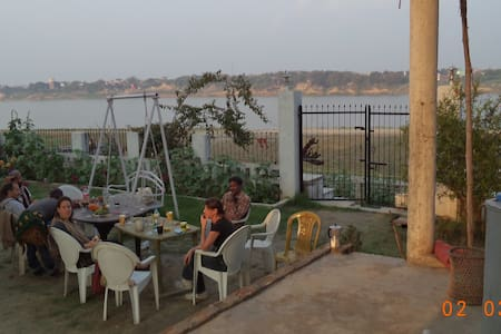 Lime -Villa on the Ganga Ghat INDIA - Varanasi - Bed & Breakfast