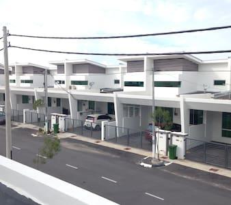 Homestay Simpang Empat . Alor Setar Kedah - Simpang Empat