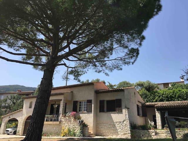 Villa Piscine vue mer TOURRETTES SUR LOUP