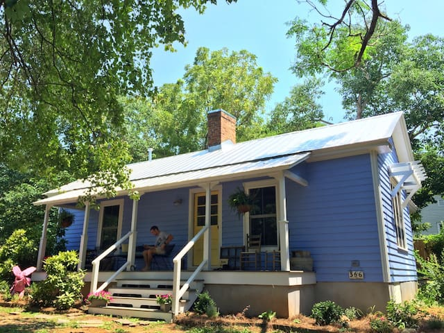 Renovated 1910 Mill House in historic Bynum, NC - Pittsboro - Hus
