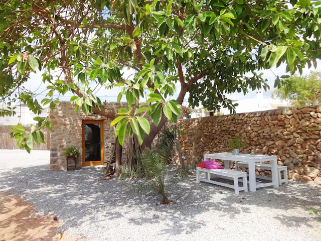 Charmy stone house in Ibiza!!! - Sant Josep de sa Talaia - Huis