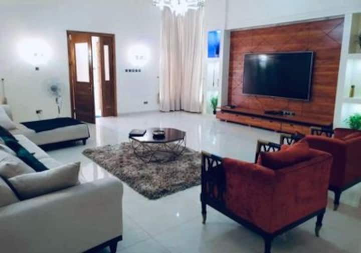 4 BR super luxurious duplex with royal experience