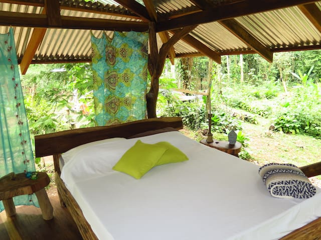 Luxury Tree-Deck sleep experience! - Puerto Viejo - Bed & Breakfast