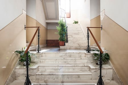 beautiful Room in Catania center