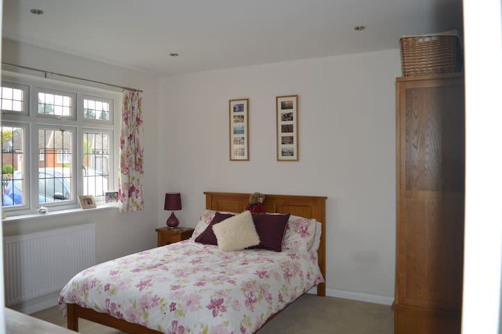 Pretty Chilterns home near London - Little Chalfont - Rumah