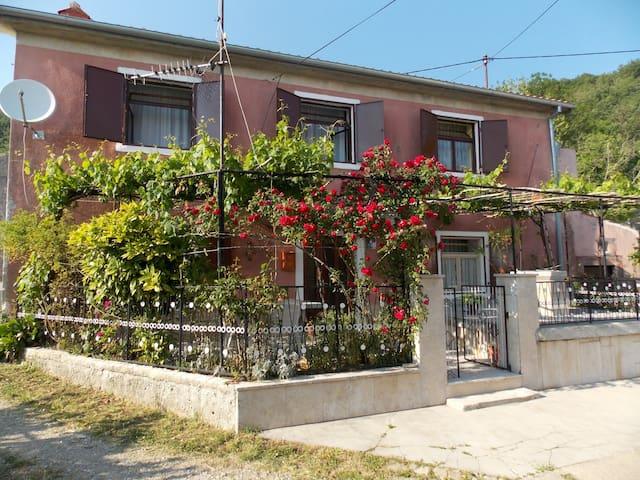 Kuća za odmor 'Dina' - Brest pod Učkom - Casa