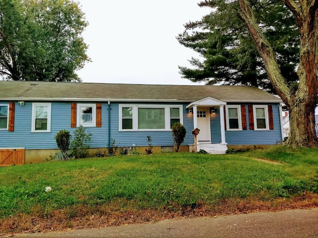 Relaxing 2 bedrooms near Providence.