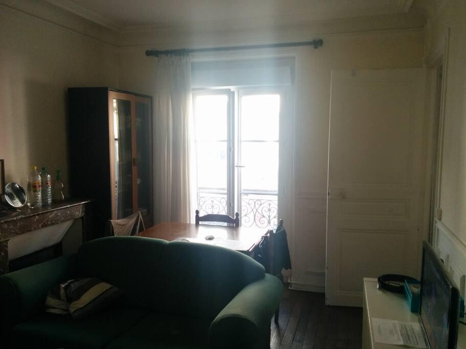 appartement meubl au centre de paris appartements louer paris le de france france. Black Bedroom Furniture Sets. Home Design Ideas