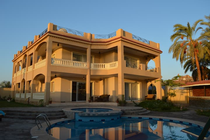 "Villa ""House of Hathor"" + Sightseeing Tours"