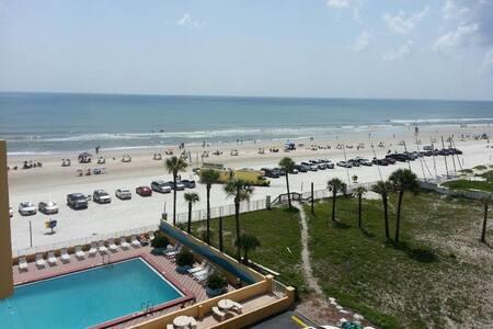 ocean front top-floor view of ocean - Daytona Beach