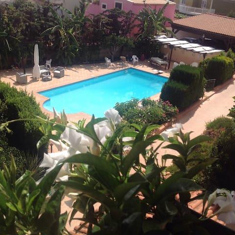 Meravigliosa Villa con piscina - San Leone - Таунхаус