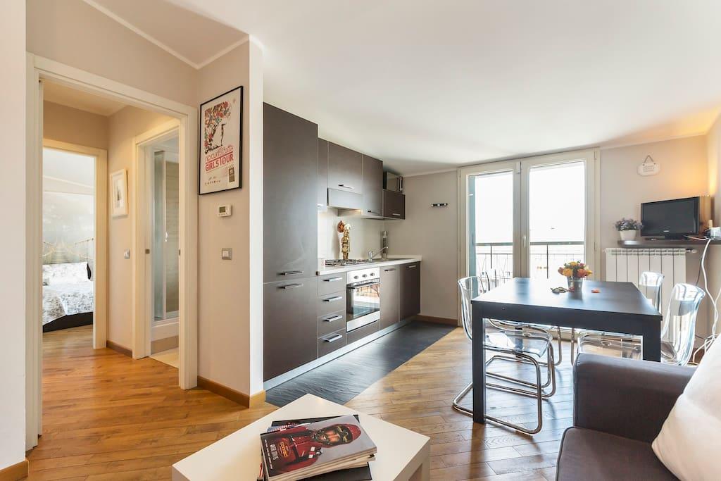 Bright and spacious apartment close to Tortona, Navigli canals.