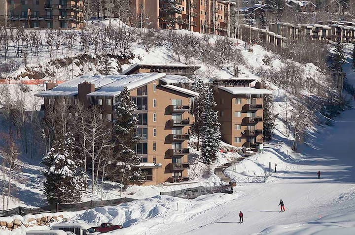 True Ski-in/Ski-out Condo with a view