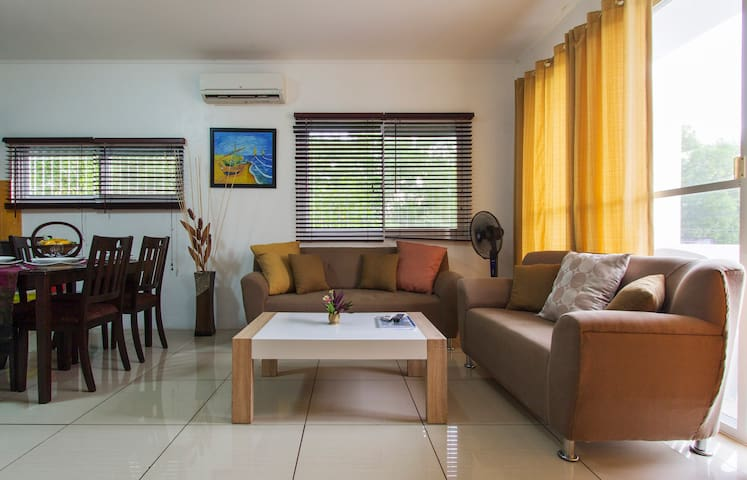 D&G @ Alona Beach 4. Furnished Unit - Panglao - Huoneisto
