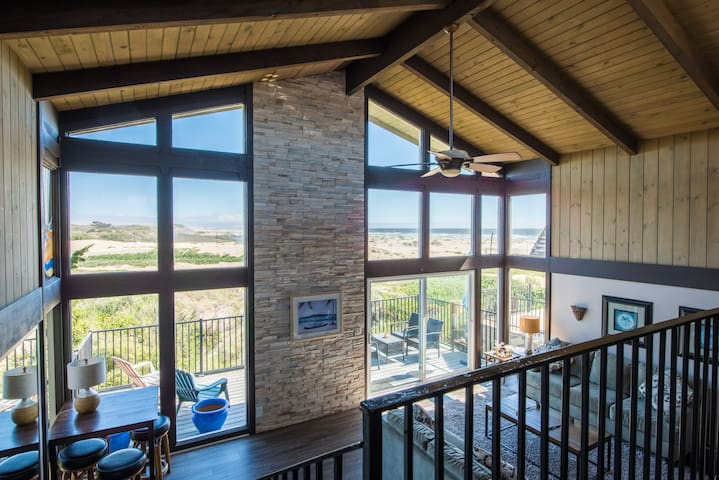 Oceanview Hideaway - 3BR/2BA,  w/Ocean views!