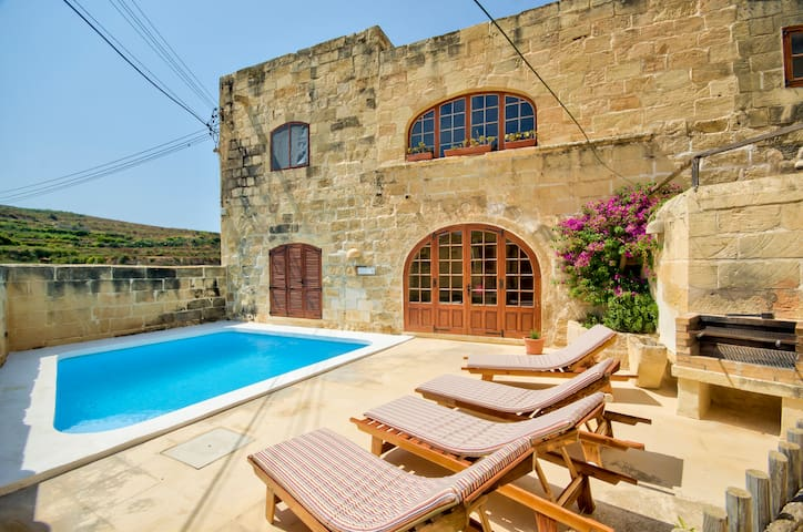 Gozo Farmhouses - Farmhouse Palma - Għasri - Talo