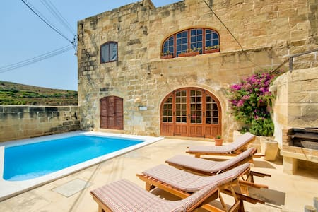 Gozo Farmhouses - Farmhouse Palma - Għasri