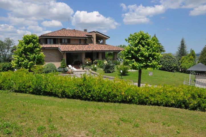 LA CASA DI TITTY -HOLIDAY HOUSE