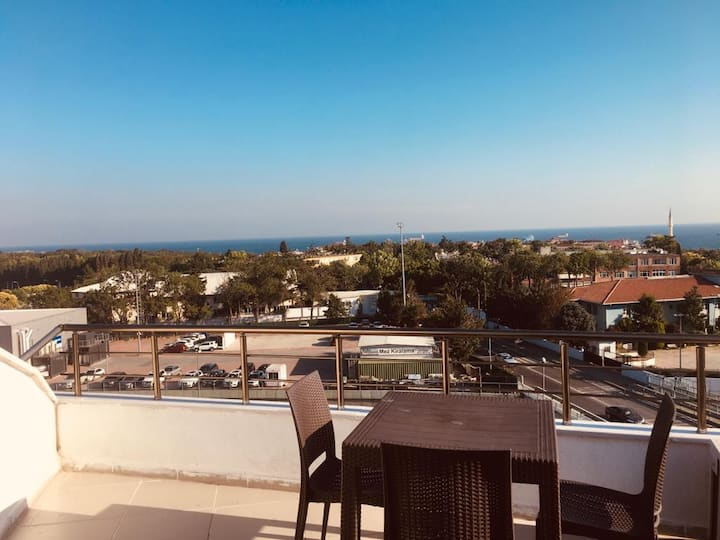 Luxury apartment with Florya and sea view.