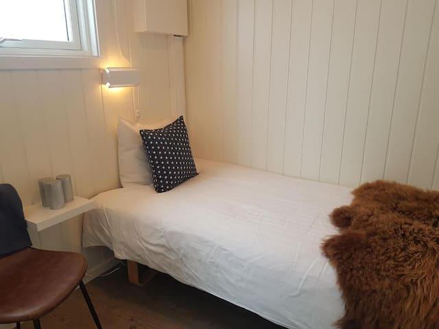 Bedroom two, one singel bed