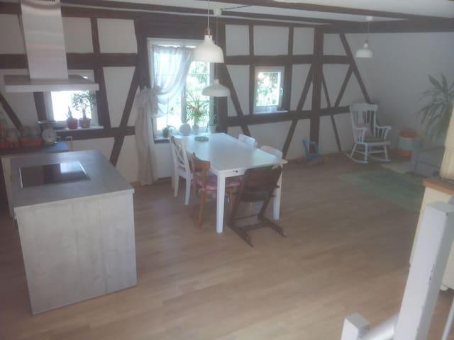 Schönes Fachwerk in der Altstadt - Schwäbisch Gmünd - Apartment