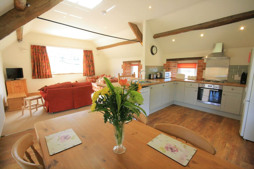 Top barn ascott houses for rent in chipping norton for Kitchens chipping norton