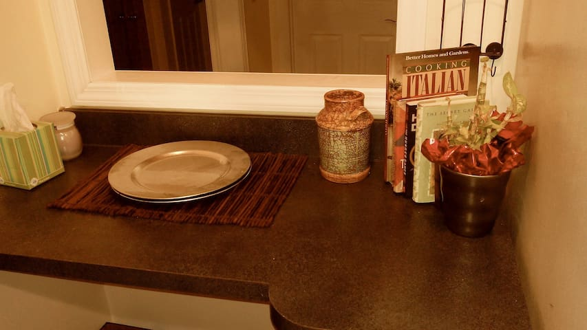 Huge Private Room Central Air 3 - Stamford - House