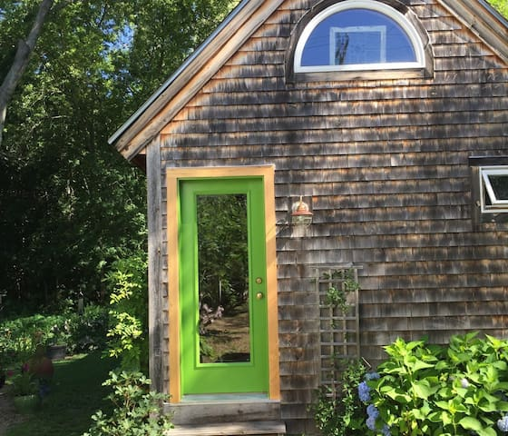 Sweet Kittery Studio - Kittery