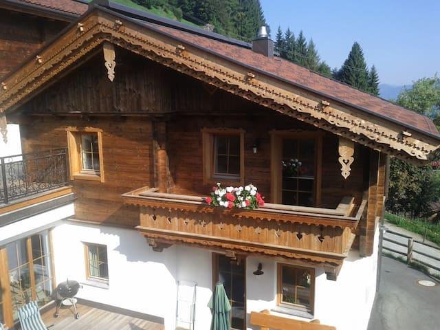Ferienhaus Zillertalblick, 6-8 Personen/Zillertal - Aschau im Zillertal - Dům
