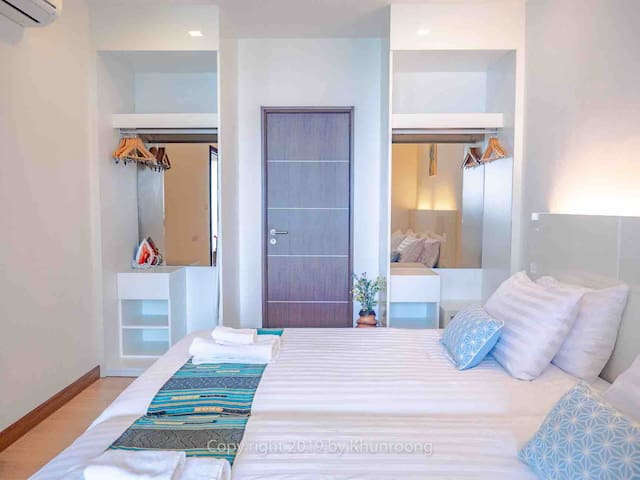 Second bed room with 2 double bed size