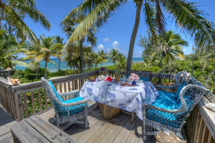 Casuarina Bay Beachfront house - Governors Harbour