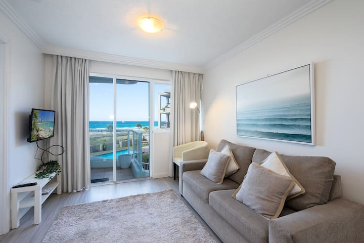 Absolute Ocean Front ♥ Relax in Palm Beach