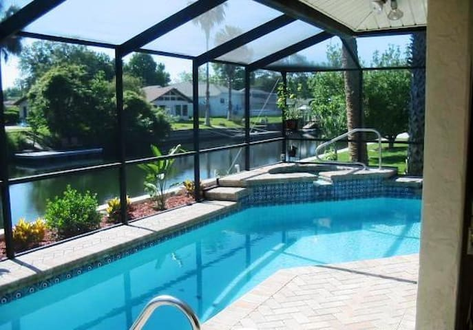 Waterfront Home, Heated Pool, Kayak - Crystal River - Casa