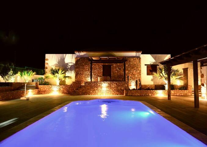 Pueblo Canarias resort