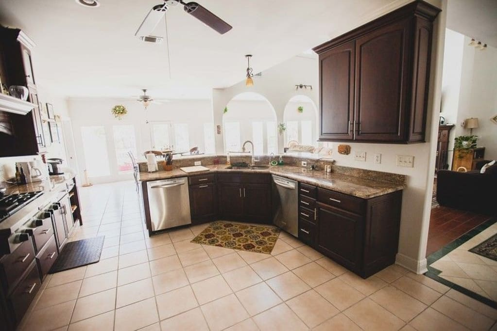 Spacious kitchen available for use