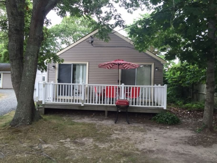 Cottage #5 patio