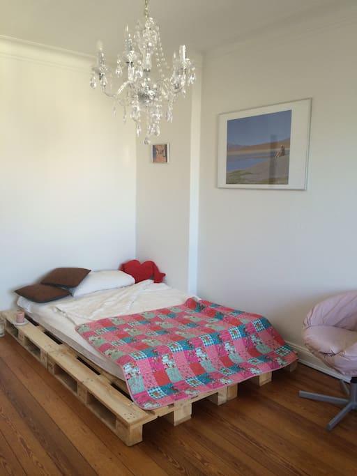 Dein Bett (140x200cm). Your bed (140x200cm).
