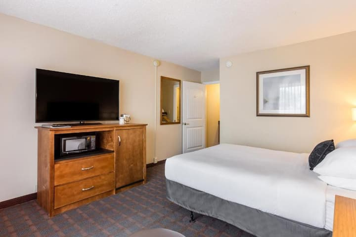 Superb Double Bed Non Smoking At Branson Area