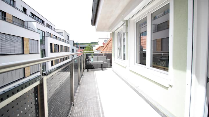 ☀ Sunny Penthouse Apartment with Balcony ☀ Central