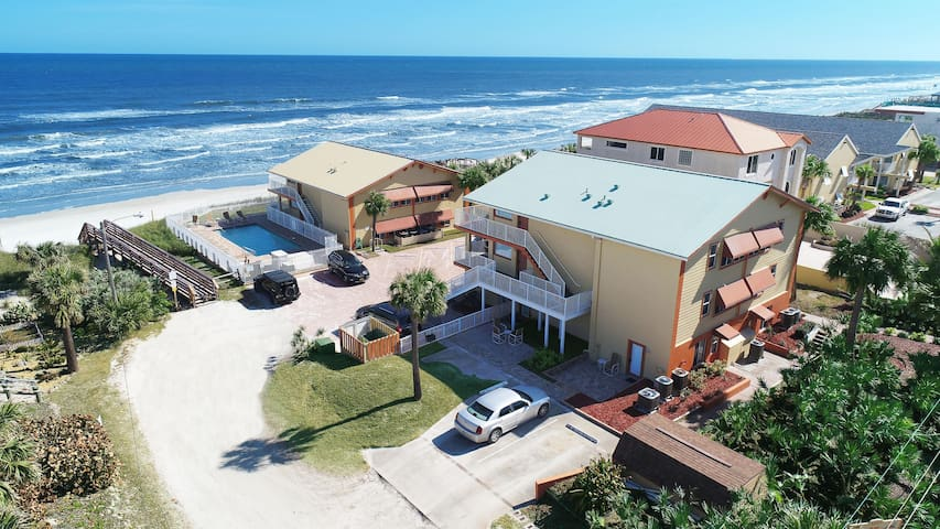 1 Br, Steps to the beach, Renovated, New Smyrna Beach Resort 9 *NSB