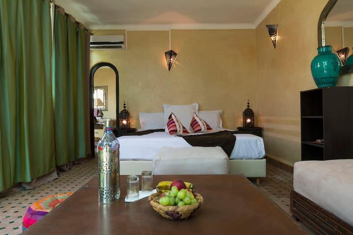 Chambres pour une personne, Calme, Spa, Piscine