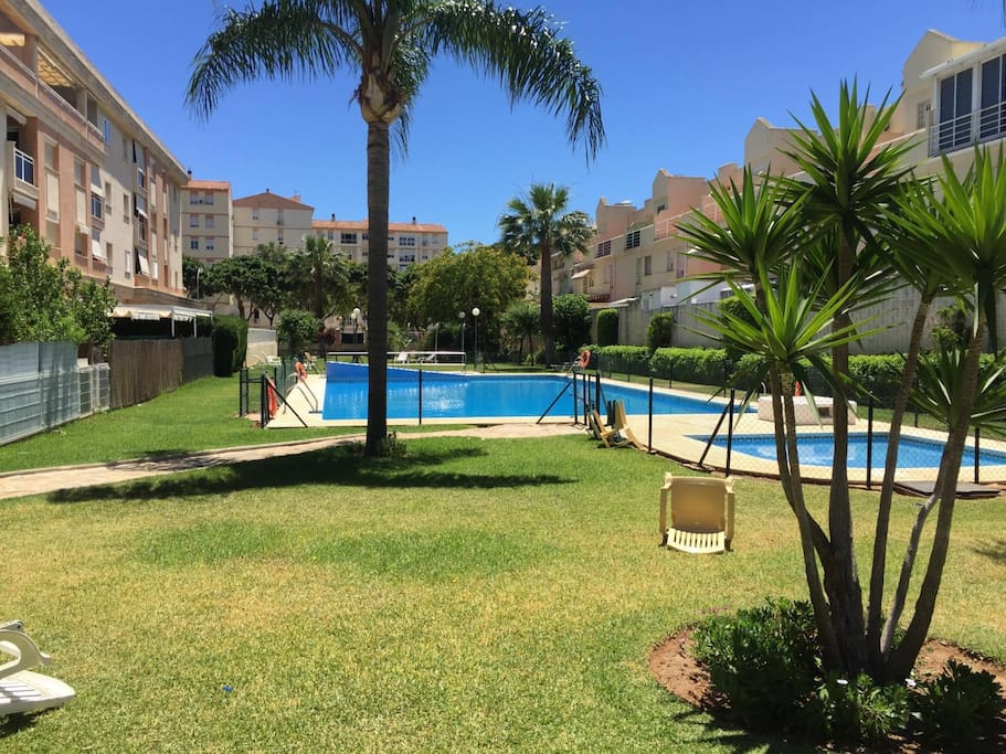 Acogedor piso con piscina 3 habitaciones 2 ba os for Piscina torremolinos