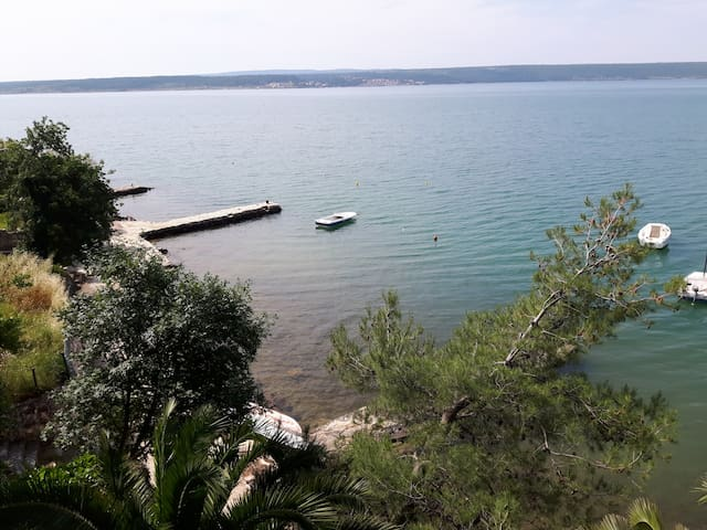 Cosy apartment in Maslenica, near Zadar, seafront - Jasenice - Apartment