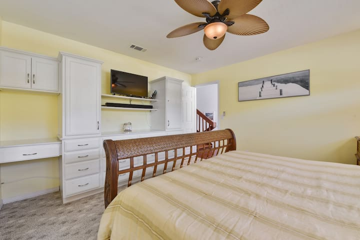 Master Bedroom Built in Dresser
