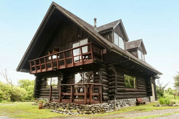 Hokitika Log House - Arahura Valley - Hus