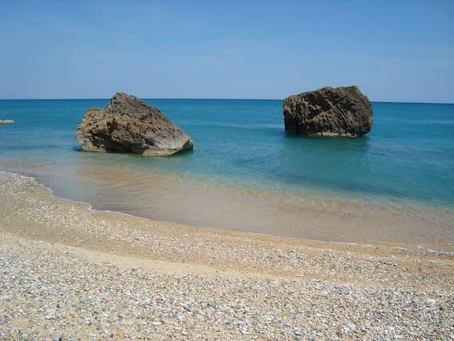 By the Beach--3 Apartments, Kefalonia 2 - Eleios-Pronnoi - Apartment