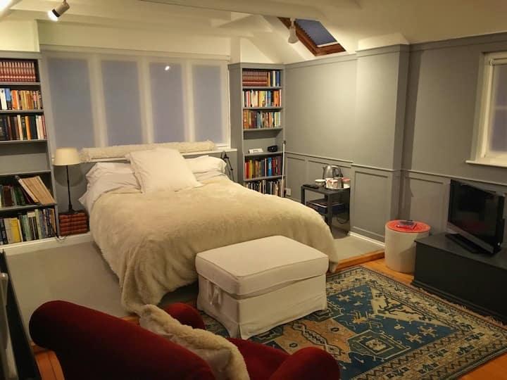 Very large bedroom with en-suite in pretty village