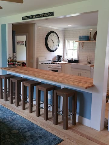 Okemo recently renovated contemporary country 3BR