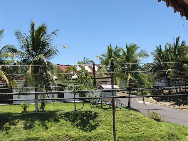 Habitación barrio céntrico en Limón - Limon - Misafir suiti